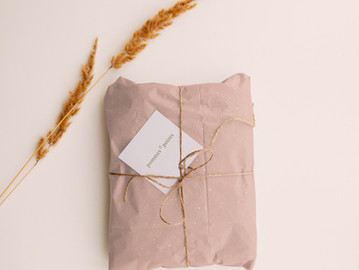 How I manage my long distance relationships & a guide to gifting