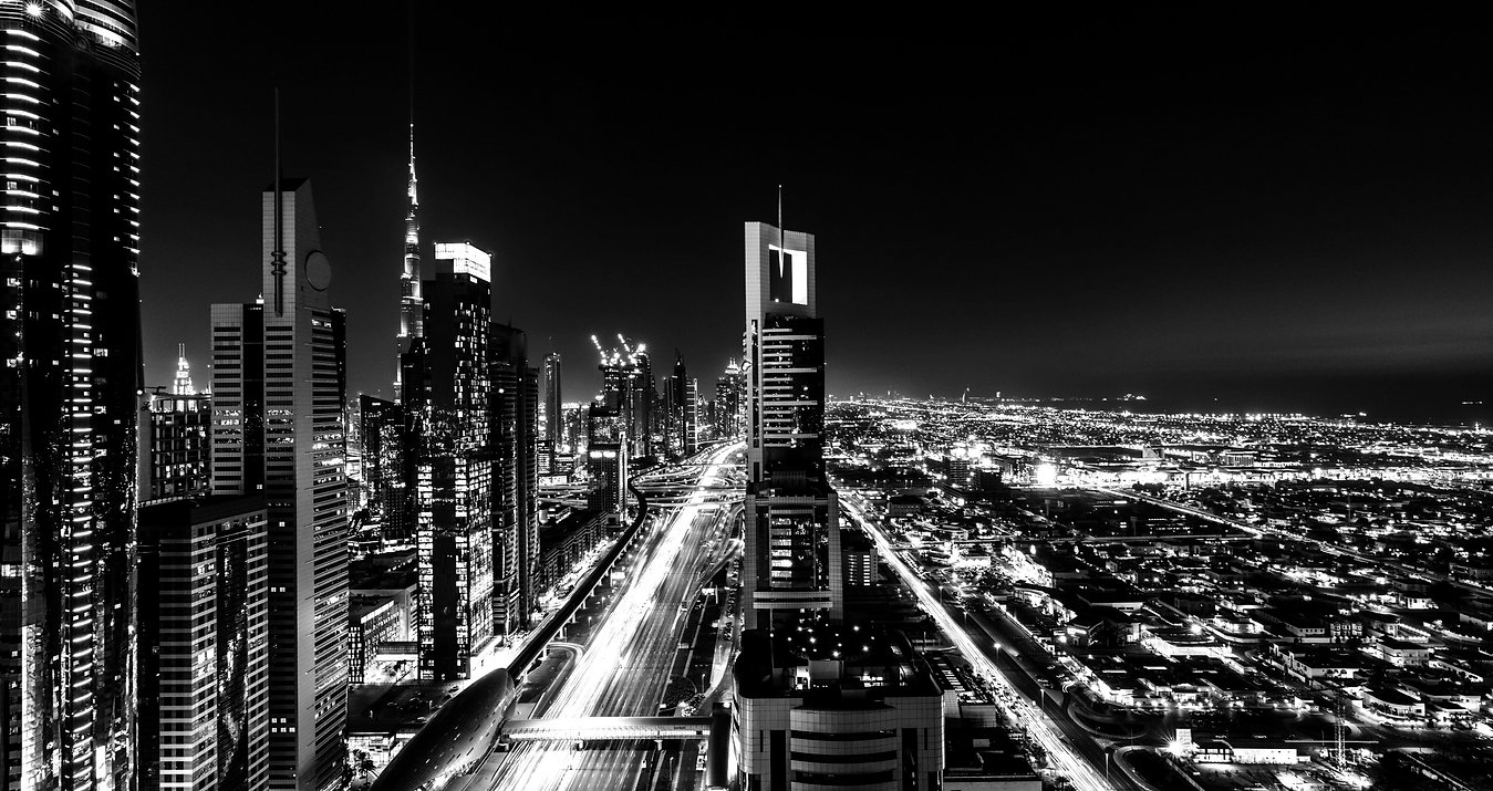 Priveliște turnuri noaptea
