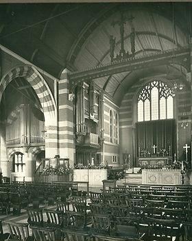 Sr Martin's interior 1930.jpg