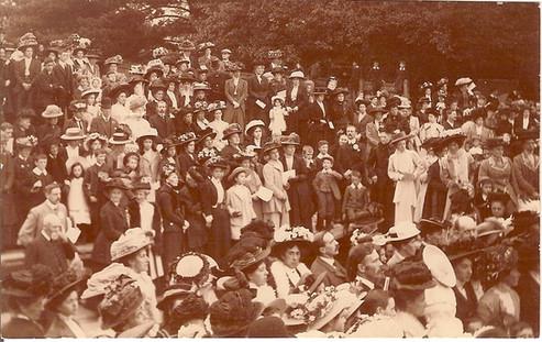 1909 Foundation Stone crowd