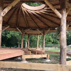 Roundwood timber structure