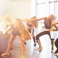 Female dancers in a hiphop class, lined to the dance injury page
