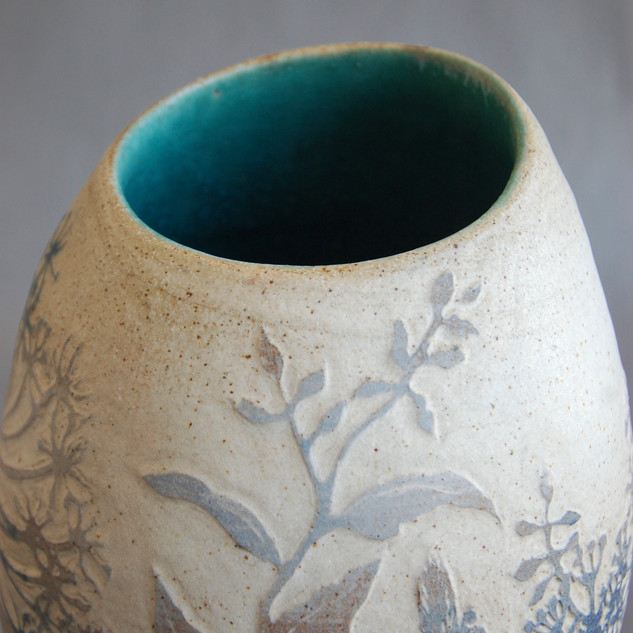 579A48DIn the Field, stoneware vase, £2405-59CC-4656-8BB7-7DD9E9F5FA69_1_2