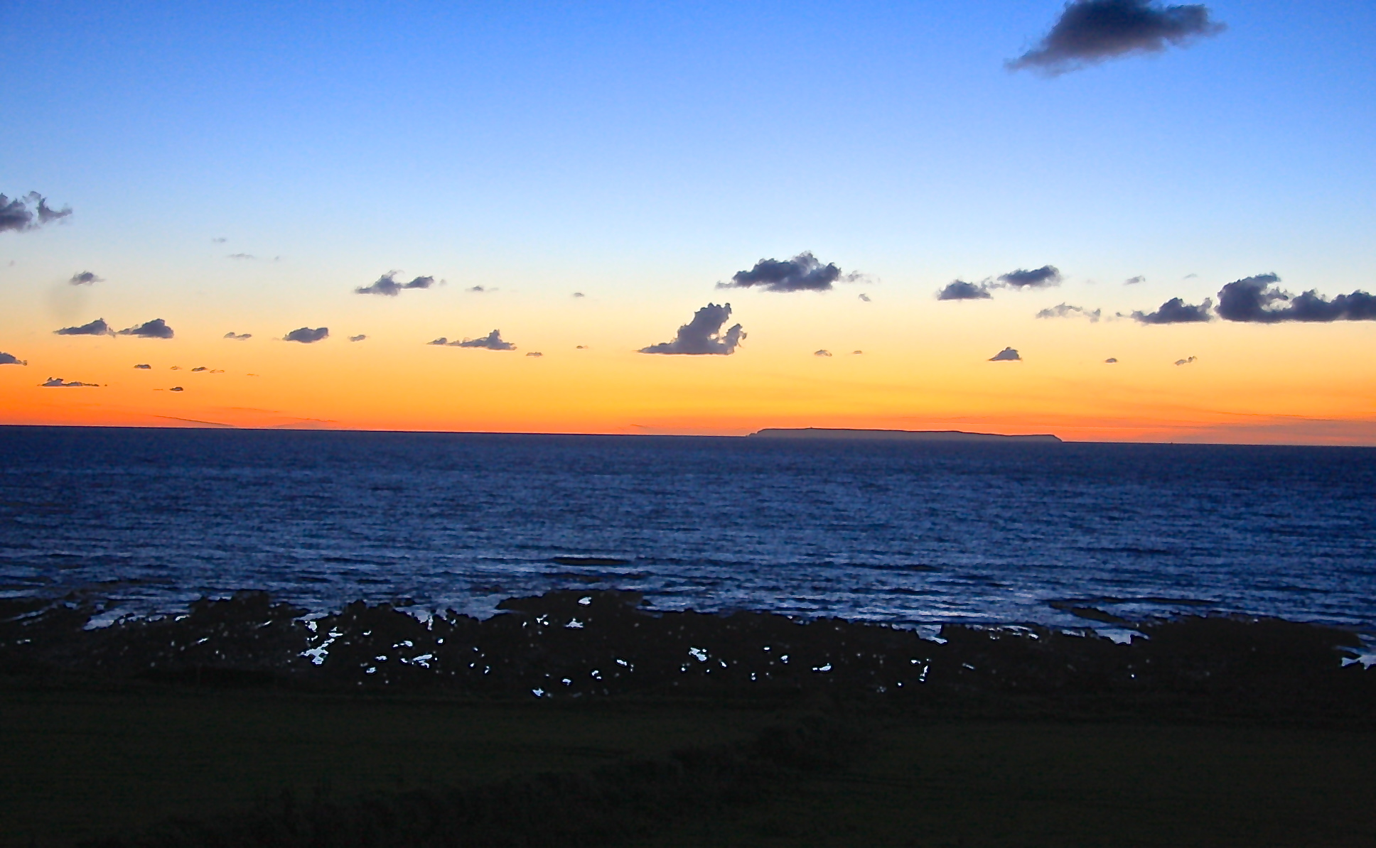 croyde sunset with lundy in view