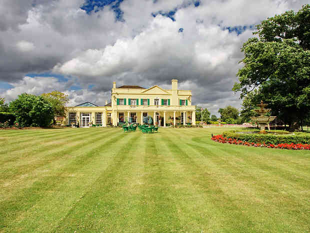 16 The Lawn Banqueting Suite 2.jpg