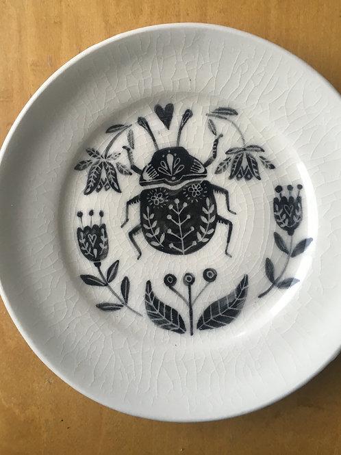 Bug-porcelain plate