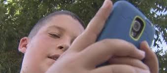 ¿Puedo controlar el móvil de mi hijo?