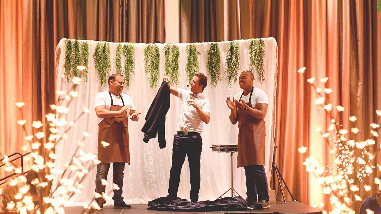 Corporate magician Andino in Gladstone