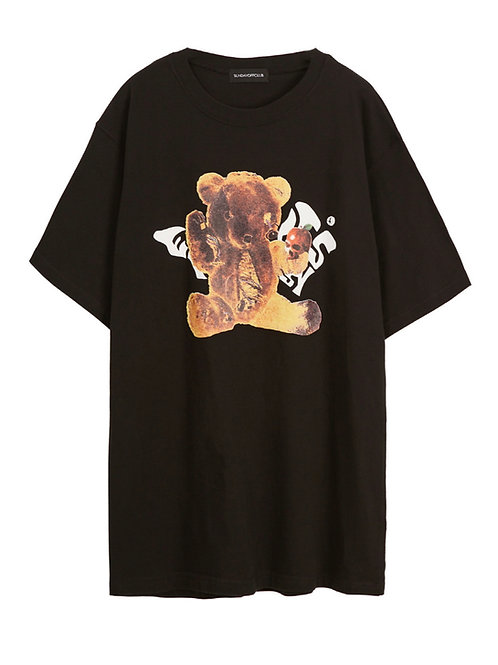 SUNDAY OFF CLUB Torn Saddy Bear Artwork T-shirt