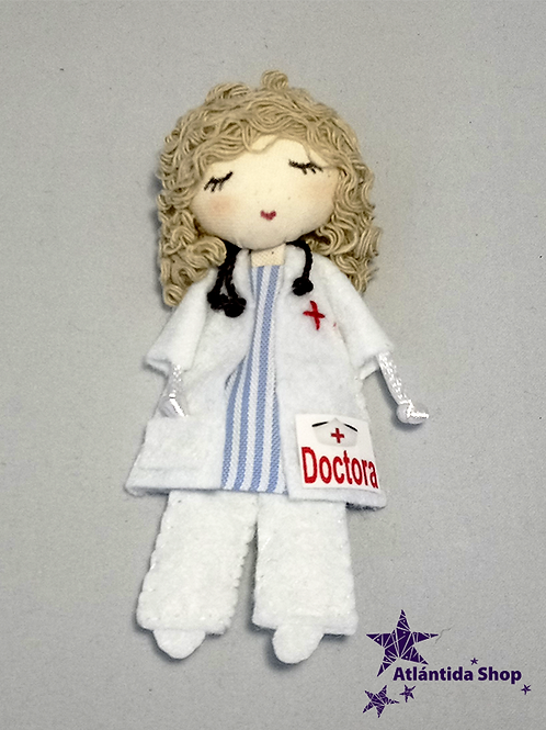 BROCHE DOCTORA RUBIA RIZOS