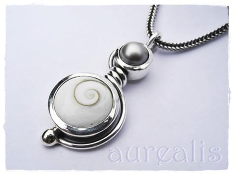 Aurealis Sea Shell Pendant with South Sea Pearl