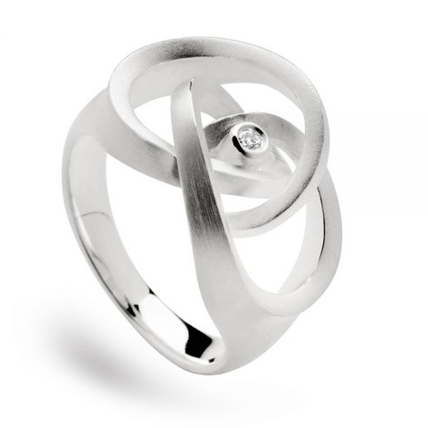 Knot Ring with Diamond