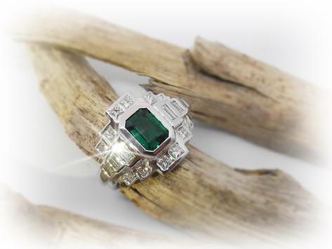 Art Deco Emerald Stunner