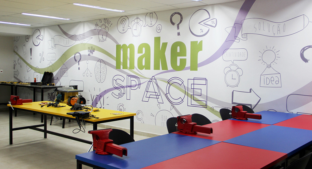 cultura maker;makerspace;flipped classroom;blended learning;virtual reality;vr;ar;augmented reality;