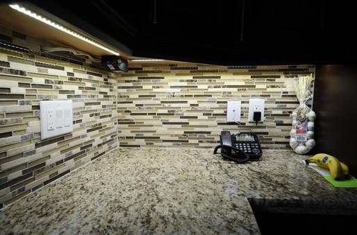 Bond_Kitchen03.jpg