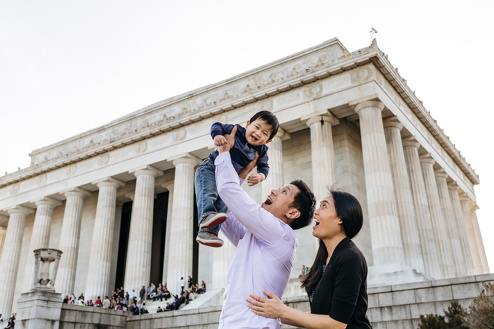Lincoln Memorial Family Photographer