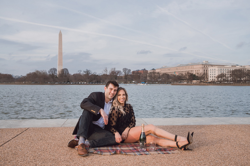 Champagne Picnic at the Washington Monument