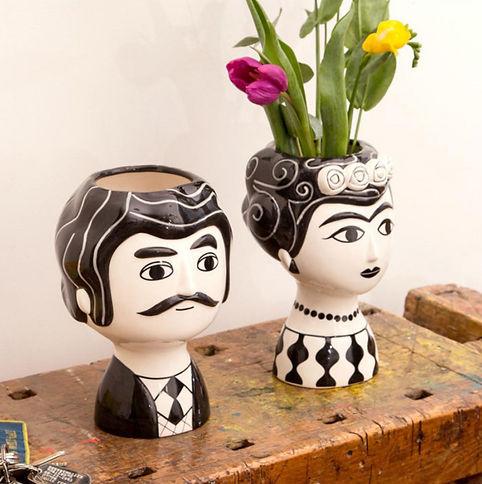 vase-carlos-kitsch-kitchen.jpg