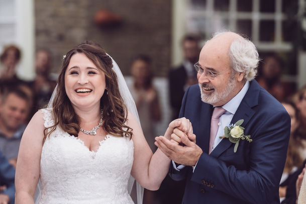 Bruid kan geluk niet op als zij de bruidegom ziet voor het altaar @Rotterdam