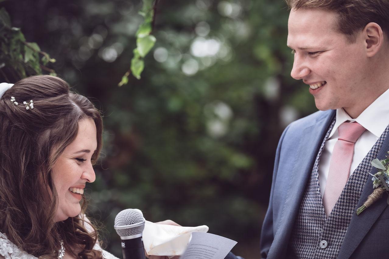 Bruidspaar spreken geloftes uit @Rotterdam