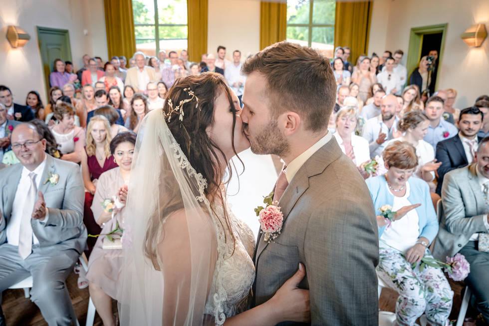 You may kiss the bride now @Het Heerenhuys Rotterdam