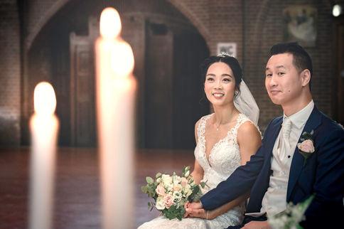 Chinese bruidspaar helemaal klaar voor de verbintenis door de kerk @Kasteel Montfoort Utrecht