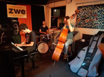 Photo by Zwe jazz club