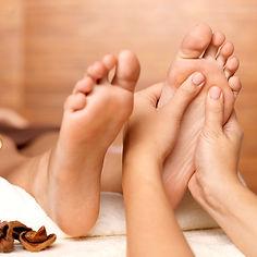 pediküre fusspflege maniküre handpflege gel lack gellack paraffin nagellack pflege wellness spa peeling maske nagel nägel socken podologie nagelpilz