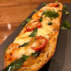 Bucket Pizza Margherita