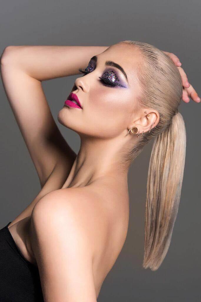 Model Ciara Edward