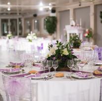 tables-disposees-pour-jour-mariage_10315