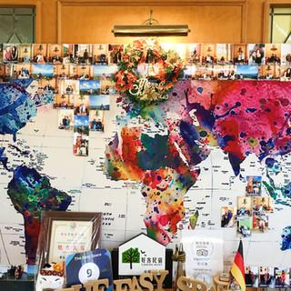 旅客照片牆