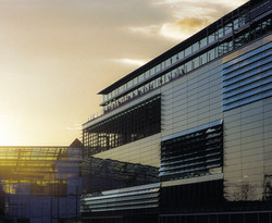 University of Applied Science - glass louvers.jpg