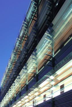 Bayerische Vereinsbank Stuttgart 01 - glass louvers.jpg
