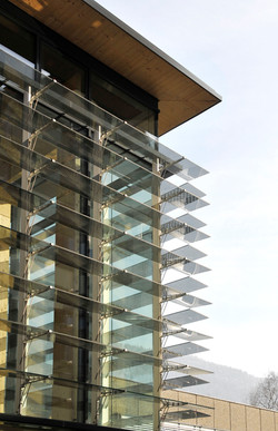KOM Altach - glass louvers.jpg