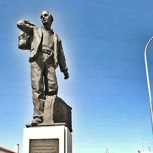#monumento al #emigrante #sanbartolomede