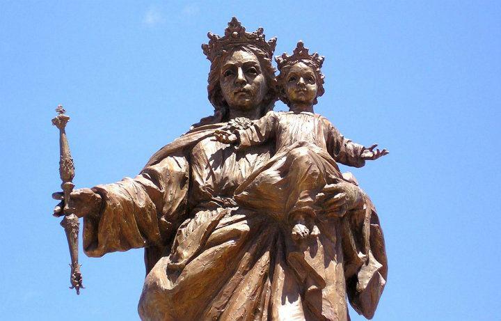 Monumetno a Maria auxiliadora . merida.j