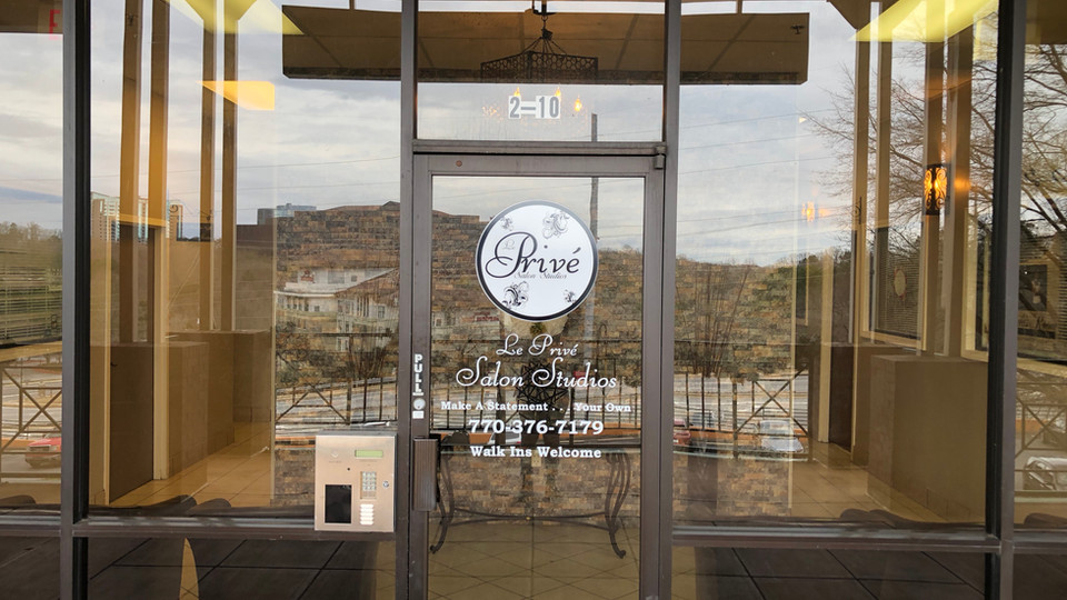 Le Prive Salon Studios