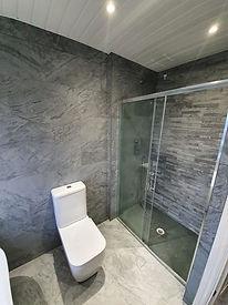 brynglass bathroom 3.jpg