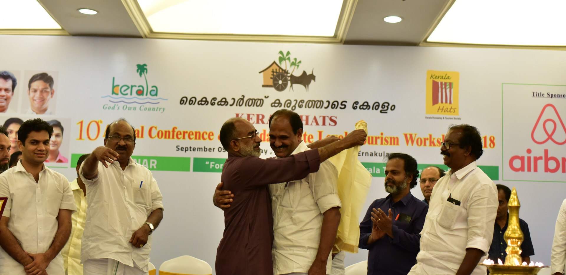 Best B&B KERALA HATS 17-18 Rosegardens Homestay Munnar Receiving the Award for the Best Homestay in Kerala