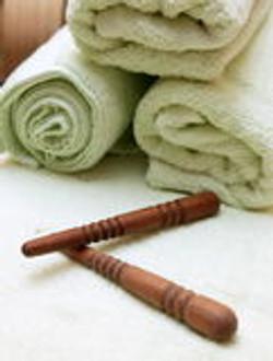thai-massage-sticks-towel-267785