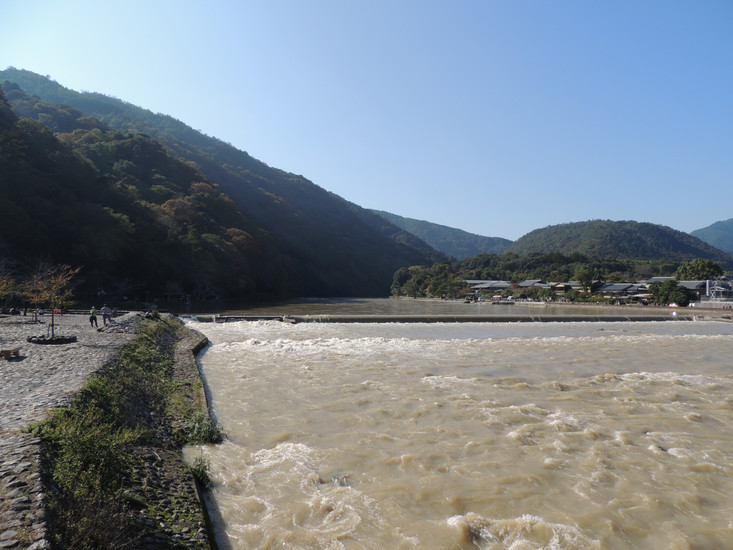 Arashiyama is a small town to the west of Kyoto. Using our transport passes we ventured 30 minutes a