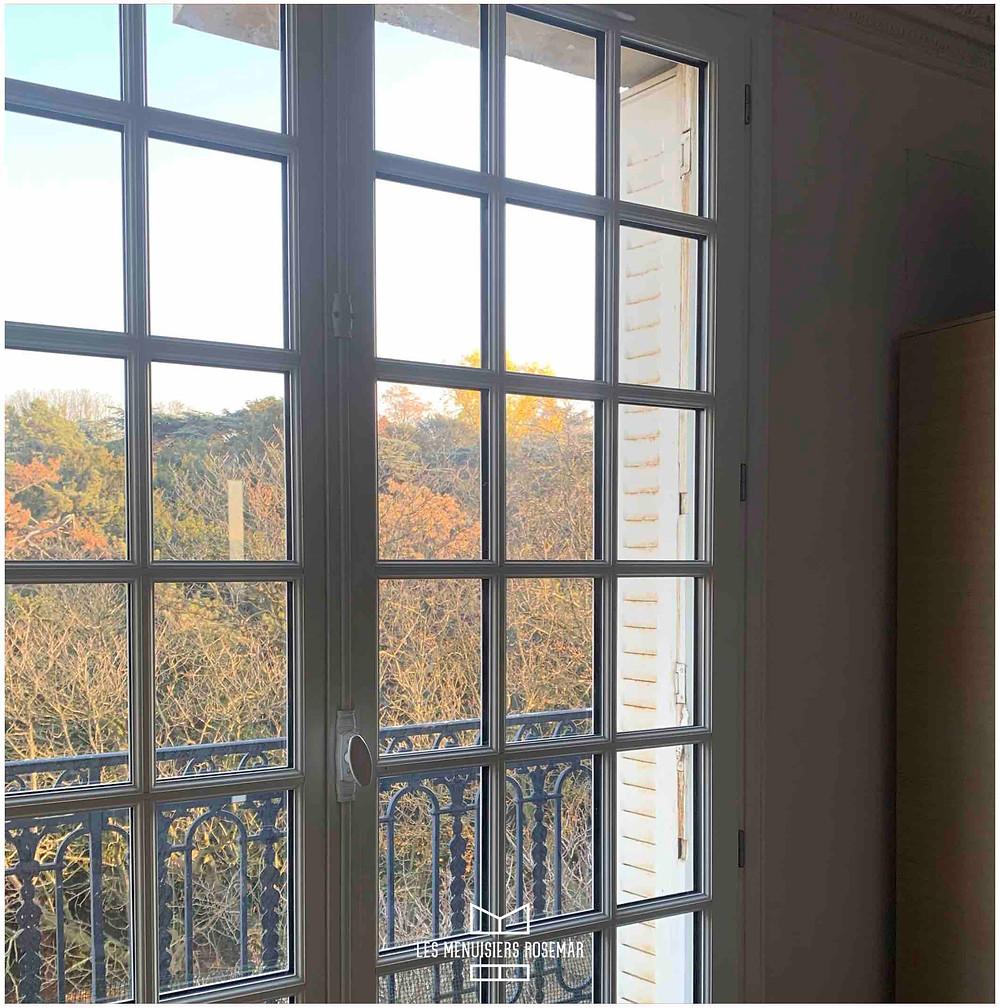 Fenêtre rénovée par les Menuisiers Rosemar, finie.