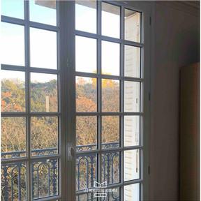 Une nouvelle fenêtre pour un client heureux.