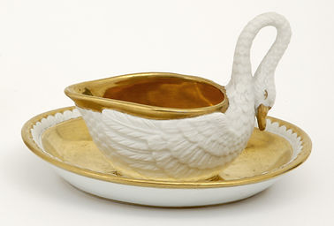 Parcourez l'Ariana, Musée suisse de la céramique et du verre!