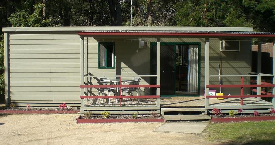 Two-Bedroom Cabin (4) 00.jpg