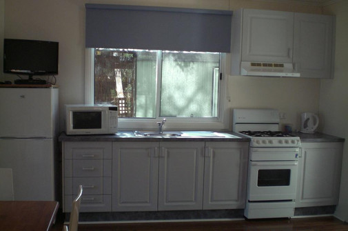 Two-Bedroom Cabin (5) 03.jpg