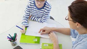 Aide aux devoirs durant le confinement : comment aider mon enfant qui a des difficultés d'écriture?