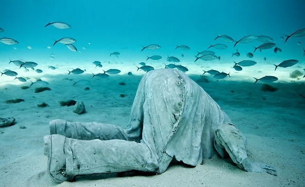 4-sculpture-modern-art-jason-decaires-ta