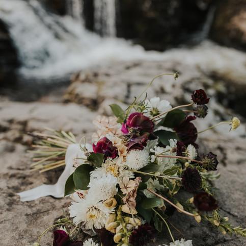 fleur de t bridal bouquet in situ shot.j